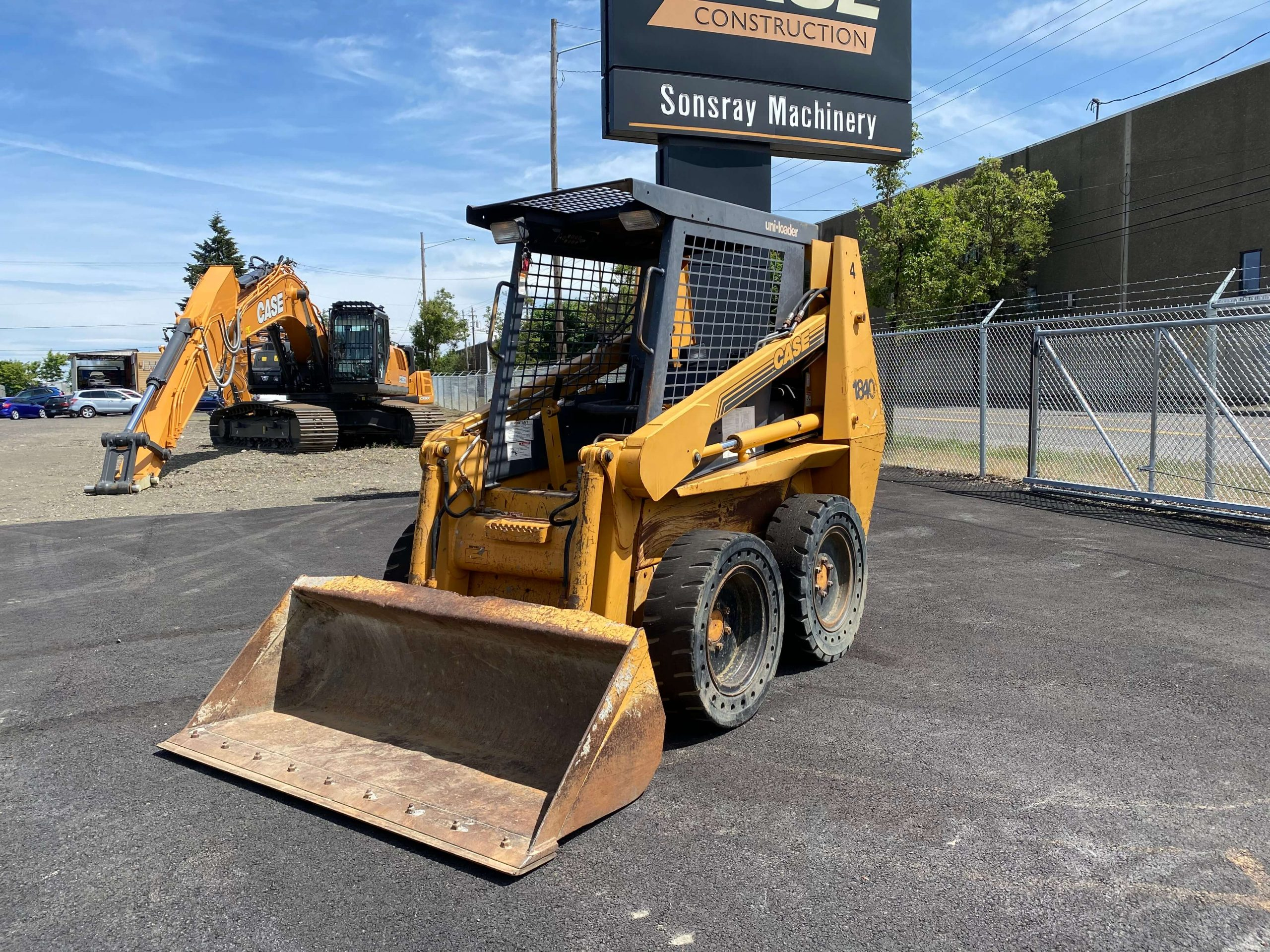 8 Advantages of Buying Used Construction Equipment